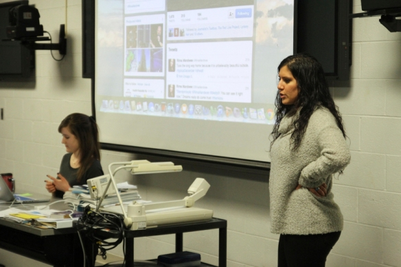 Rima Mandwee discusses appropriate and inappropriate discussion topics on social media. (Photo by Brianna Kelly)